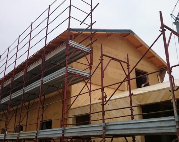 Casa costruita in legno e coibentata con pannelli in fibra di legno