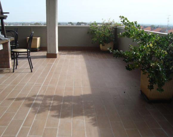Rifacimento pavimentazione e nuova impermeabilizzazione di terrazza attico